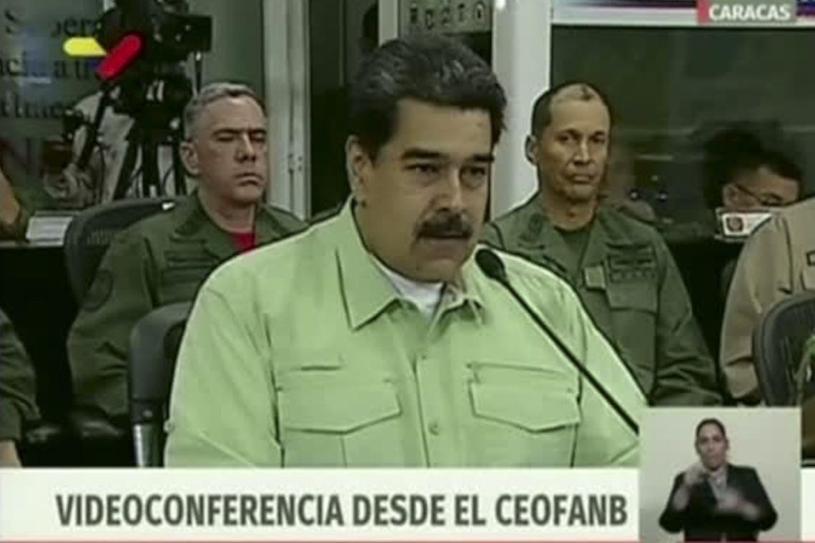 """""""Venezuela segue em frente com dignidade"""" diz Maduro"""