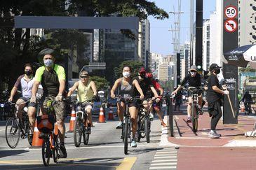 Reativação das ciclofaixas de lazer durante flexibilização da quarentena na capital paulista.