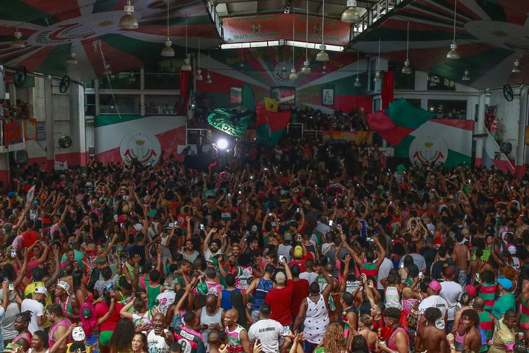 A Estação Primeira de Mangueira é a grande campeã do carnaval carioca