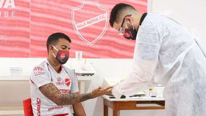 Os jogadores do Vila Nova foram testados e nenhum deles apresentou sintomas da covid-19