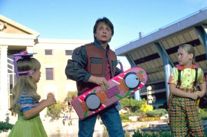 Marty McFly em posse do Hoverboard
