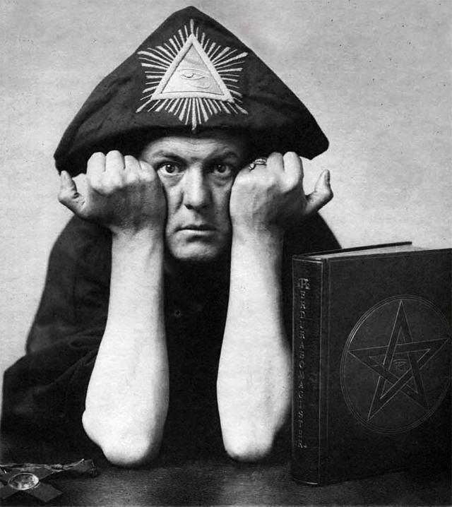 Aleister Crowley fez a cabeça da galera!