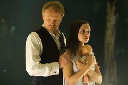 O Prof. Joseph Coupland e sua paciente Jane.