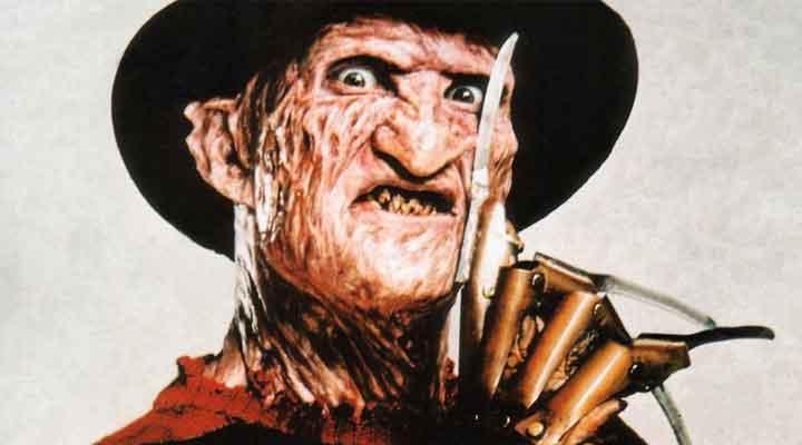 Robert Englund encarnando Freddy Krueger novamente!