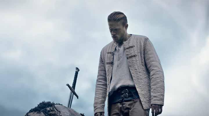 Filme Rei Arthur: A Lenda da Espada é o destaque nas estreias da semana