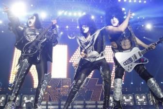 Explosões, fogos de artifícios e rock and roll: o show do Kiss no Rio de Janeiro