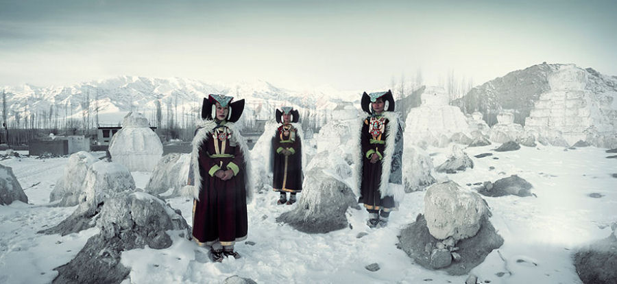 A vida de tribos que estão desaparecendo pelo mundo 32
