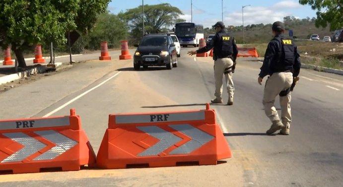 Polícia Rodoviária Federal atuando nas BRs de Pernambuco