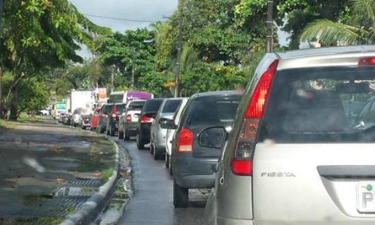 O trânsito é intenso no sentido Recife / Foto: @Paulas_Isabela / Twitter