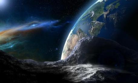 O 2017EK, o maior dos últimos dias a passar próximo à Terra, tem o tamanho de 68 metros de diâmetro / Foto: Ilustração/ Pixabay