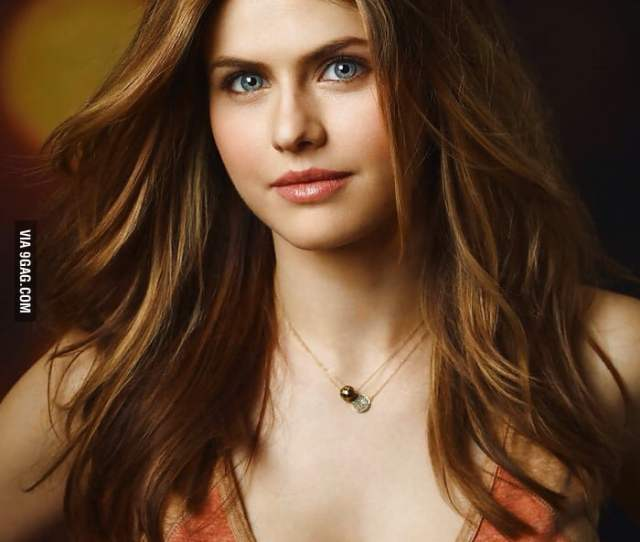 Alexandra Daddario The Only Woman Who Can Saymy Boobs Are Down There