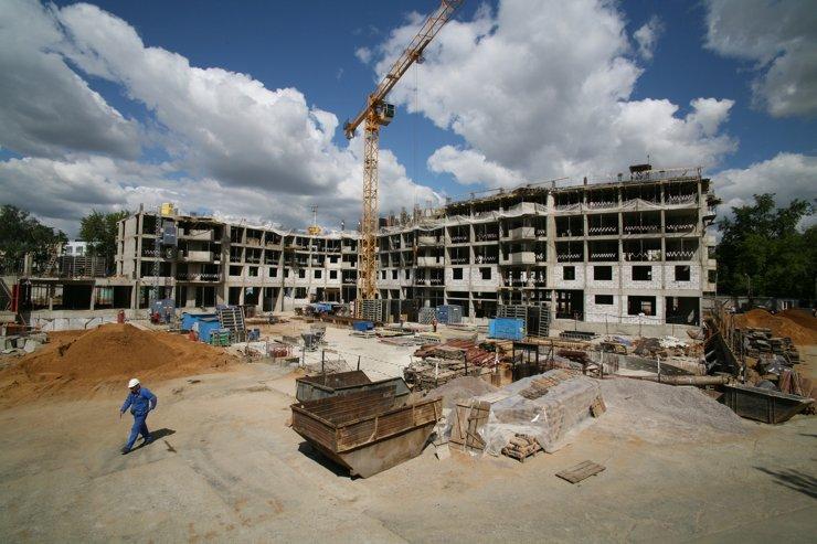 Застройщики сообщили о криминогенных и эпидемиологических рисках в общежитиях для строителей