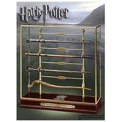 Noble Collection NN7008. Harry Potter. Expositor con muestras de varitas mágicas del Torneo de los Tres Magos.
