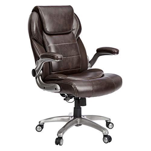 AmazonCommercial, sedia da ufficio ergonomica, con schienale alto in pelle, braccioli ribaltabili e supporto lombare, marrone