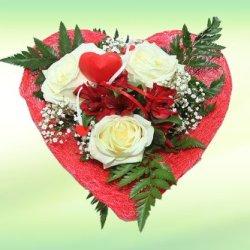 floristikvergleich.de Herz Amore – Blumenstrauß mit Rosen