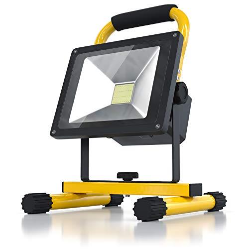 BRANDSON - Akku LED Baustrahler | Arbeitsscheinwerfer | Bauscheinwerfer | Arbeitsleuchte | 20 Watt | Akkukapazität 6600 mAh | LED Fluter mit 1600 Lumen | Für den Innen- und Außenbereich | Gelb