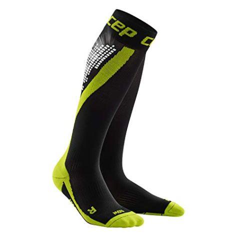 CEP - NIGHTTECH Socks für Herren | Lange Laufsocken mit Reflektorstreifen in grün | Größe IV