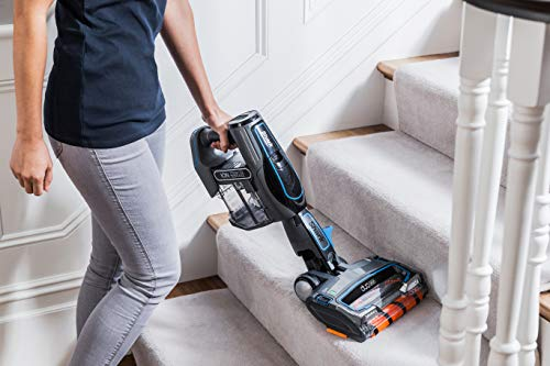 Shark Cordless Stick Vacuum Cleaner [IF200UK] is great for cleaning carpet on stairs