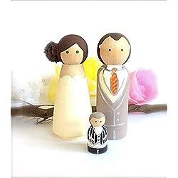 Adornos para tarta de boda personalizados, familia de 3 novios de novia, pequeño niño bebé bebé de madera peg muñeca recuerdo proposición novia ducha lindo