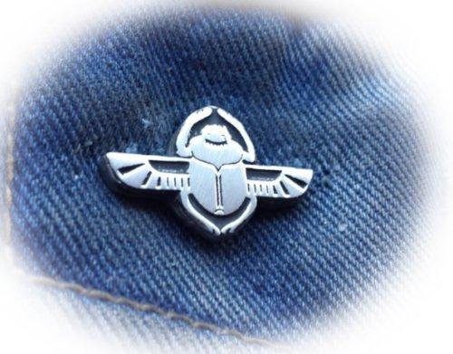 Scarab Pin broche de solapa libre Reino Unido POST peltre Pin Badge