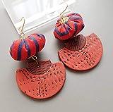 boucles d'oreille style japonais - demi cercle en pate polymère - perle en en tissu - asie japon asiatique - rayures rayé - rouille rouge bleu marine - bijoux ethniques - crochet en laiton
