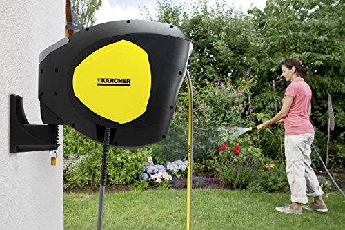 Karcher is a famous brand when it comes to all things watering and cleaning. In this Kärcher CR5.220 Auto Reel (20 meters), they have a pretty compact and easy to use hose reel. The first thing you notice are the Karcher colours of black and yellow. The product is a doddle to fit and its 20m hose unwinds and rewinds smoothly without knotting. Featuring a controlled auto-wind system, the tool allows you to extend your hose to where you need it. It also stops and locks in place any point.