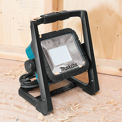 The Makita DML805 Corded and Cordless LED Work Light is such a versatile device capable of operating both corded and cordless which is the huge bonus here. That's a huge advantage over many other models because you'll virtually never run out of power assuming you have excess to a power socket. The ability to switch between High and Low light modes is also a major benefit in terms of saving battery power as well as choosing the desired brightness level.