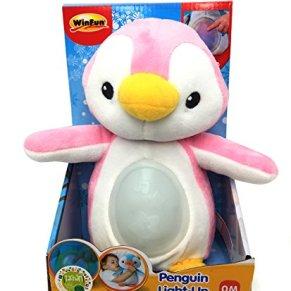 WinFun- Amiguita pingüino con canción de cuna y luces, Color rosa (CPA Toy Group 7300160G) , color/modelo surtido