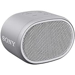 Sony SRSXB01W - Altavoz inalámbrico portátil (Compacto, Bluetooth, Extra Bass, 6h de batería, Resistente al Agua IPX5, Viene con Correa) Color Blanco