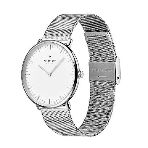 Nordgreen Native Skandinavische Klassische Uhr Unisex in Silber Analog Quarzwerk 36mm (M) mit Mesharmband in Silber 10035