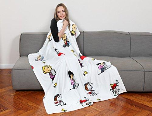 Kanguru Plaid Snoopy Bianco, coperta in soffice pile, dimensioni 130x170cm, calda ed elegante.