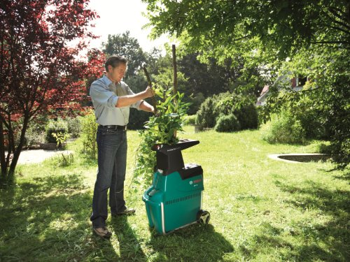 The Bosch AXT 25 TC Garden Shredder is without doubt the best shredder manufactured by Bosch and probably one of the best, if not the best garden shredder ideal for domestic use. By sure not to confuse it with the cheaper Bosch 25D model as it does look very similar.