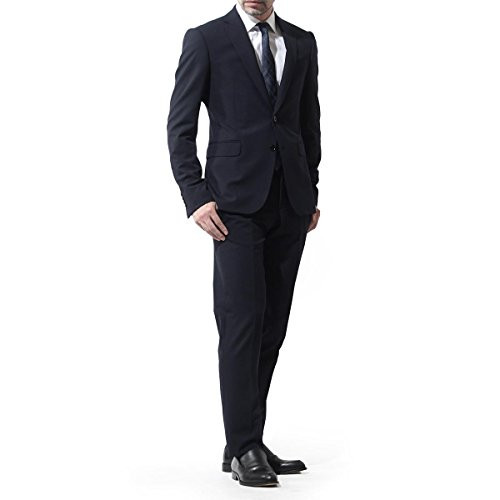 アルマーニは40代男性に人気の高いブランド