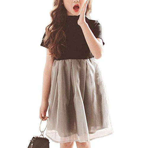 おしゃれな好きな女の子に洋服をプレゼント