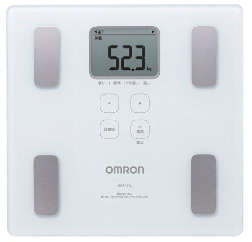 オムロンの体重計は3000円で体脂肪も測定可能でもらって嬉しい家電