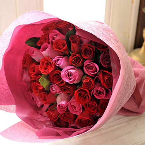 バラの花束をホワイトデーに贈る