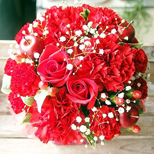 花束を女性がもらって嬉しい退職祝い