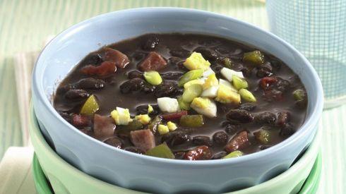 Receta de Sopa de Frijol Negro a la Cubana | QueRicaVida.com