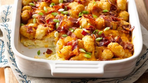 Impossibly Easy Bacon, Egg and Tot Bake (With Make-Ahead ...
