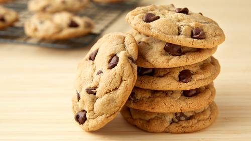 Kue kering Lebaran: choco chips cookies.