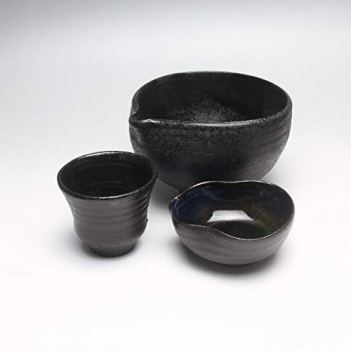 Shiny Black Sake katakuchi lipped bowl and guinomi cups made by Kazusa Nosaka. Japanese traditional ceramic Hagiware.