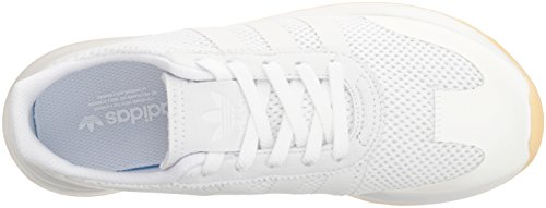 31XYq5voL3L Mesh upper for breathability; Welded nubuck toe overlay offers a plush look Mesh lining for soft feel and ventilation TPU 3-Stripes; Nubuck heel overlay offers a plush look; Durable matte TPU heel patch