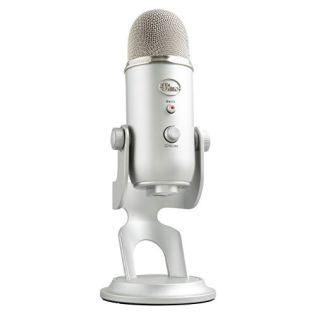 Blue-Yeti-Condenser-Microphone-Silver-Mic-Podcaster-Bundle-988-000090