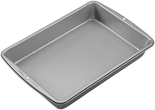 Wilton Recipe Right Non-Stick Oblong Cake Pan, Heats Evenly for Years of Baking Perfection,13 x 9-inches