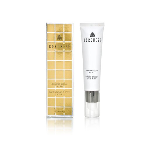 4123m5XA1ZL This oil-free tinted moisturizer gives the perfect summer glow Its mineral-based formula helps defend skin against sun damage with full-spectrum SPF protection Skin appears radiant and flawless