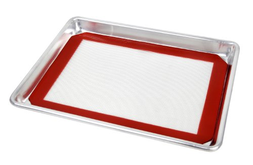 New Star Foodservice 38439 Commercial 18-Gauge Aluminum Sheet Pan & Silicone Baking Mat Set, 13 by 18-Inch (Half Size)