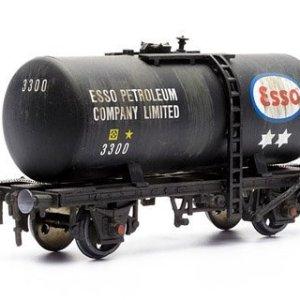 Dapol Model Railway 20 Ton Esso Tanker Plastic Kit – OO Scale 1/76 by Dapol 41LRDteUalL