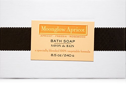 Solvent-free coconut oil-based soap with a 14% olive oil, almond oil & rice protein blend. The soap is hard milled, air dried and scented with essential oil based fragrance. Free of: BHT, EDTA, parabens and sulfates. Vegan and cruelty free.