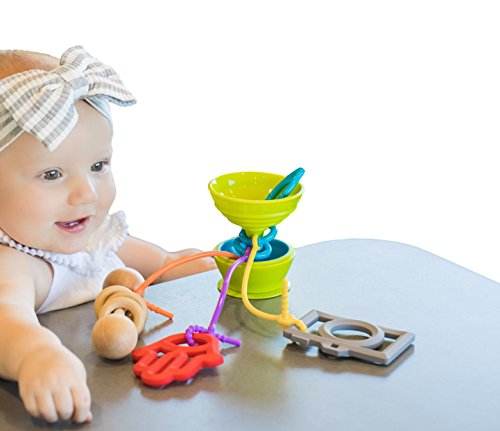 Grapple Suction Baby Toy Holder 6-12 Months Green