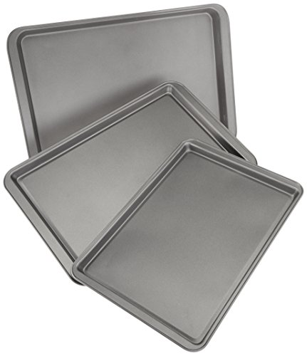 AmazonBasics 3-Piece Nonstick Baking Sheet Set
